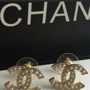 Authentic Chanel Vintage Pearl Earrings